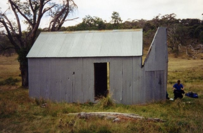 Hainsworth Hut - Farts 19940052.jpg