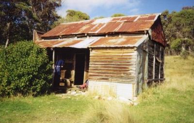 Harris Hut - Farts 19940056.jpg