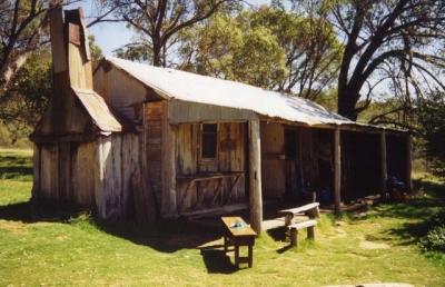 Oldfields Hut - Farts 19940074.jpg