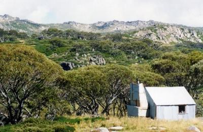 Tin Hut below The Kerries - 96-0014.jpg