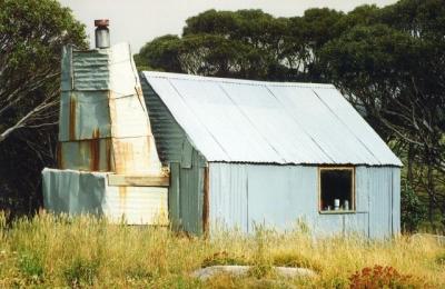 Tin Hut - 96-0015.jpg