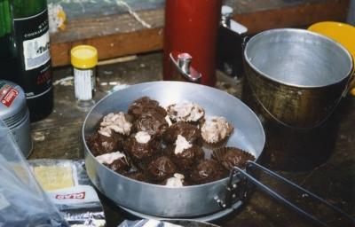 Peters Homemade Rumballs (Peter) - 96-0030.jpg