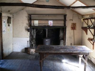 Interior of Whites Hut. - P1080455.JPG