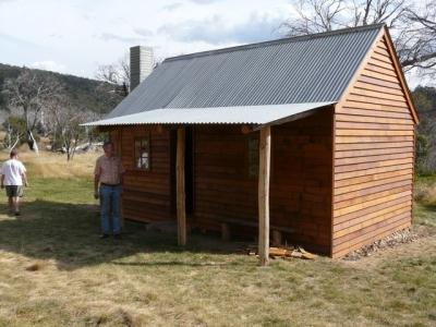 The new Delaney's Hut - P1010939.JPG