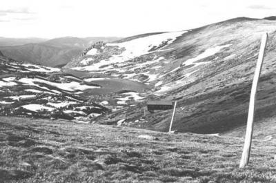 1977 Note ski poles - AlbinaLodgeLake_AlbinaNov1977websize.jpg