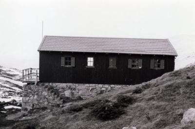 1977 - huts0014.jpg