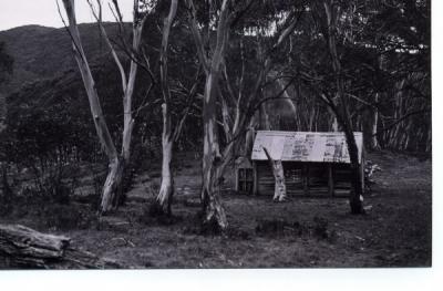 1977 - huts0019.jpg