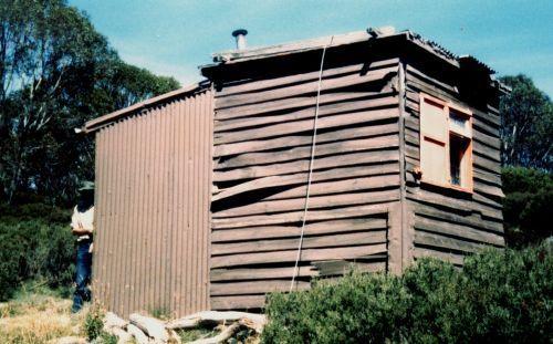 Diana (also known as Orange) Hut 1988 - Diana_Hut1988.jpg