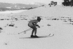 Nude skiing 1970 nr Jagungal email   a.jpg