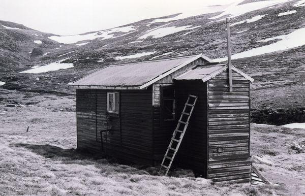 Ladder in case of deep snow 1977 - huts0008.jpg