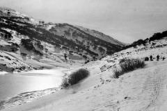1970 Guthega Dam. Setting off for Whites - Old Ski Photos0004  a.jpg